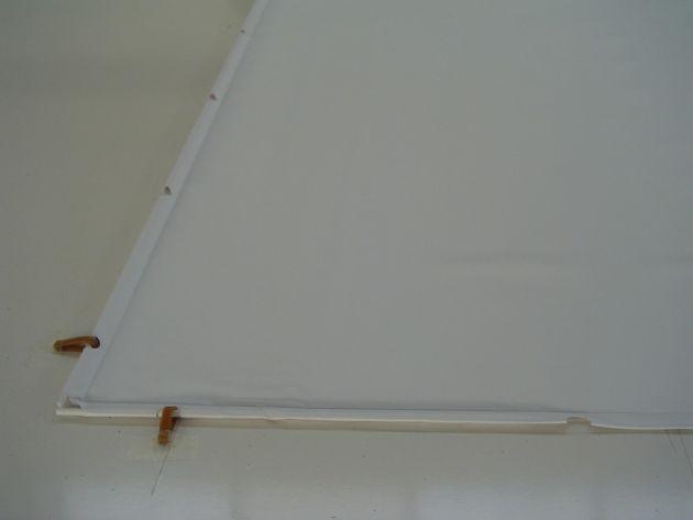Tele con bordi perimetrali asolati - colore pvc bianco con retro nero